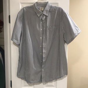 Old navy short sleeve button down shirt